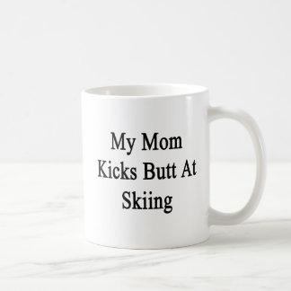 Caneca De Café Meu bumbum dos pontapés da mamã no esqui