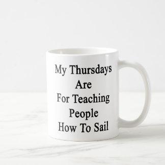 Caneca De Café Minhas quintas-feiras são para pessoas de ensino