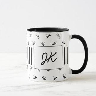 Caneca de café Monogrammed preto e branco das