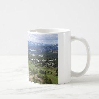 Caneca De Café Montanhas & prado, liberdade do deus