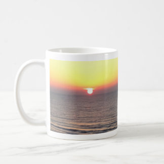 Caneca De Café Nascer do sol na praia