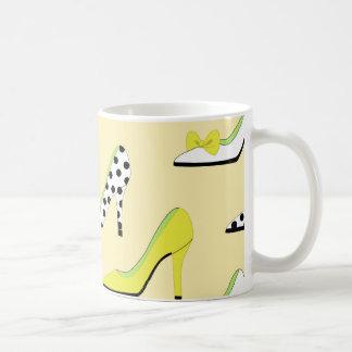 Caneca De Café O amarelo coloca saltos a senhora Chique