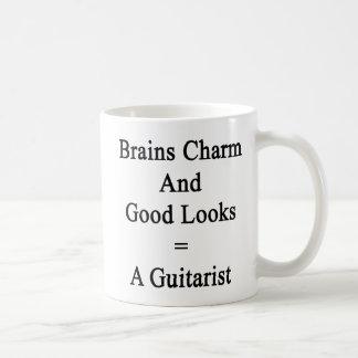 Caneca De Café O encanto dos cérebros e os bons olhares igualam