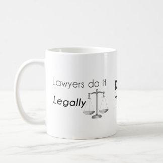Caneca De Café Os advogados fazem-no!
