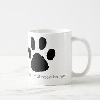 Caneca De Café Os filhotes de cachorro precisam casas