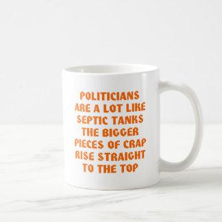Caneca De Café Os políticos gostam das fossas sépticas partes