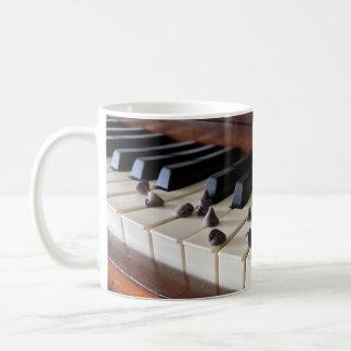 Caneca De Café Piano e pedaços de chocolate (11oz)