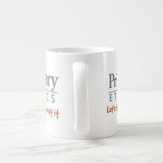 Caneca de café preliminar das éticas