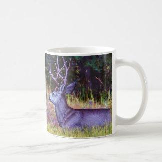 Caneca De Café Príncipe da floresta, fanfarrão dos cervos de mula