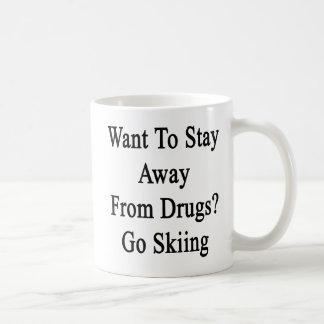 Caneca De Café Queira permanecer longe das drogas vão Skiing.png