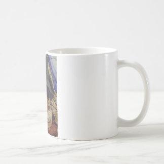 Caneca De Café Raminou que senta-se em um pano por Suzanne