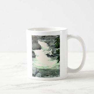 Caneca De Café Rapids da montanha
