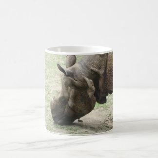 Caneca De Café Rinoceronte asiático do rinoceronte que pasta