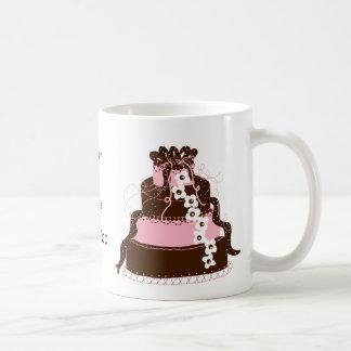 Caneca De Café Salvar o bolo do rosa e de chocolate da data