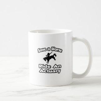 Caneca De Café Salvar um cavalo. Monte um escrivão