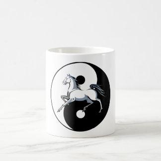 Caneca De Café Símbolo do cavalo branco de Yin Yang