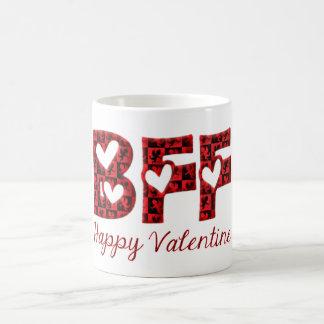 Caneca De Café Tipografia bonito do Cupido dos namorados felizes