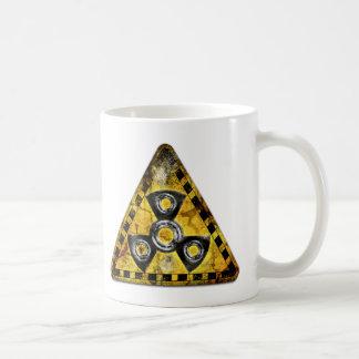 Caneca De Café Triângulo de advertência da radiação nuclear do
