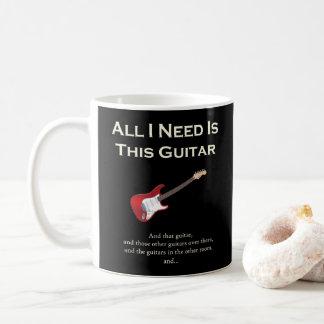 Caneca De Café Tudo que eu preciso é esta guitarra, engraçada,