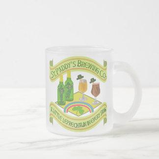 Caneca De Café Vidro Jateado Cervejaria engraçada do Leprechaun do dia de