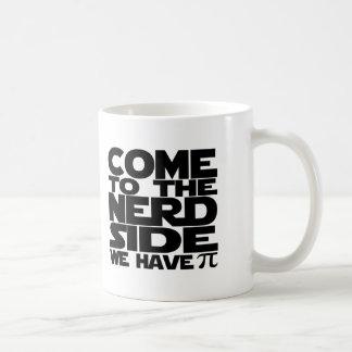 Caneca De Café Vindo ao lado do nerd nós temos o Pi