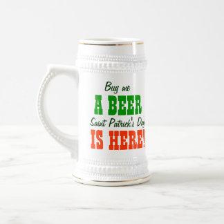Caneca De Cerveja Compre-me um dia de Patricks do santo da cerveja