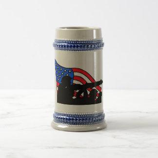 Caneca de cerveja do presente do soldado