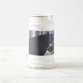 Caneca de cerveja do urso preto