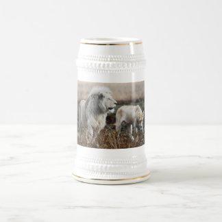 Caneca De Cerveja Leão de África do Sul como o rei
