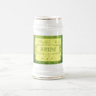 Caneca De Cerveja Noiva irlandesa bonita