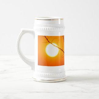 Caneca De Cerveja Por do sol suspendido
