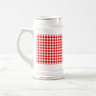 Caneca De Cerveja Teste padrão vermelho e branco do diamante por