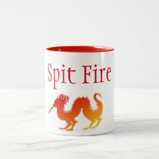 caneca do dragão do fogo do cuspe