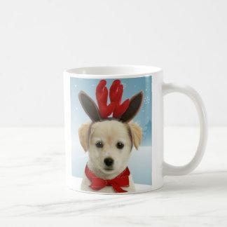 Caneca do Natal do filhote de cachorro da rena