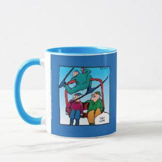 Caneca Esquiadores agradáveis dos desenhos animados do