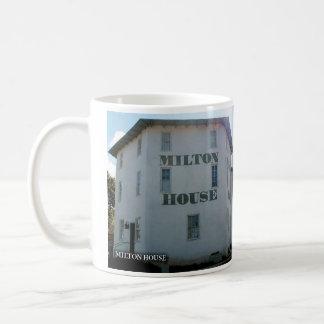 Caneca histórica da casa de Milton