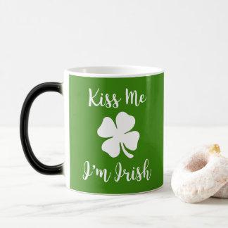 Caneca Mágica BEIJE-ME, mim são IRLANDÊS - o dia de St Patrick
