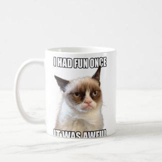 Caneca mal-humorada do gato