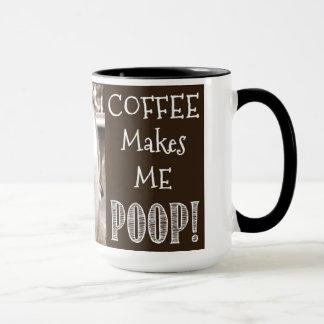 Caneca O café faz-me o tombadilho!