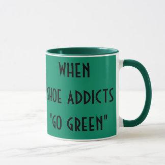 Caneca O viciado dos calçados vai verde
