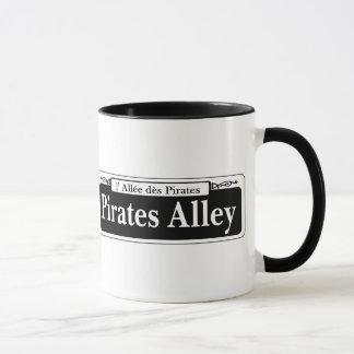 Caneca Piratas beco, sinal de rua de Nova Orleães