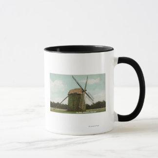 Caneca Vista do moinho de vento o mais velho em Cape Cod