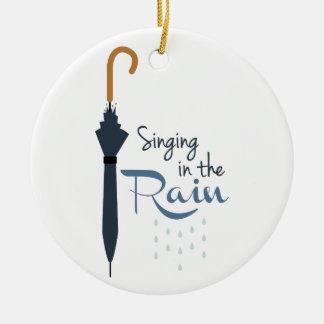 Canto na chuva ornamento de cerâmica redondo
