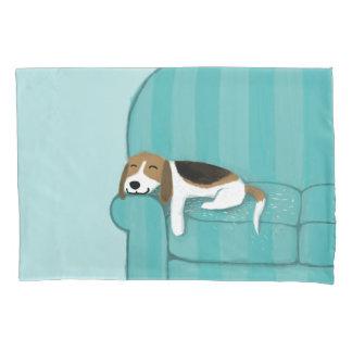 Cão bonito feliz do lebreiro | do sofá