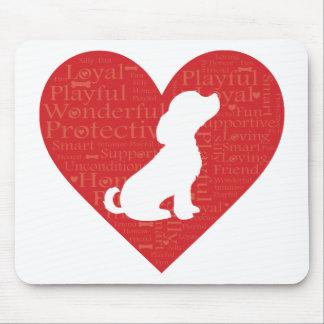 Cão do coração da palavra mousepad