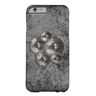 Capa Barely There Para iPhone 6 Auto-falante da música em um muro de cimento do