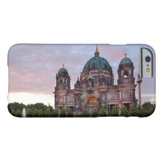 Capa Barely There Para iPhone 6 Catedral de Berlim com torre e Lustgar da