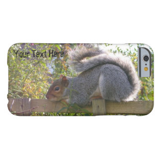 Capa Barely There Para iPhone 6 esquilo cinzento que descansa a foto original dos