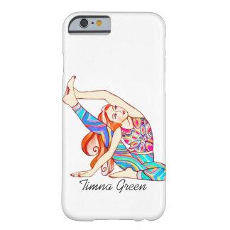 Capa Barely There Para iPhone 6 menina da ioga pelo verde de Timna