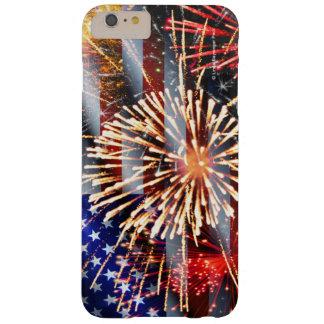 Capa Barely There Para iPhone 6 Plus Os EUA embandeiram e fogos-de-artifício